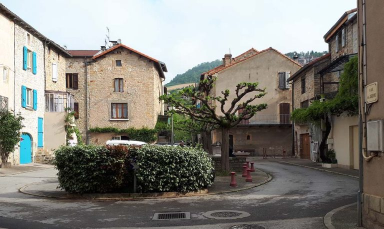 Place Basse d'Aguessac